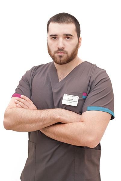Стоматолог-имплантолог Селимов С.С. — клиника доктора Василенко